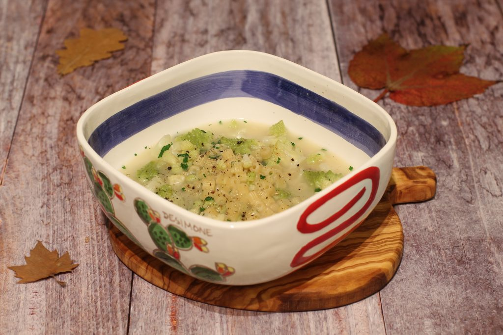 pastina in brodo con broccolo romanesco