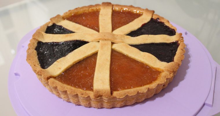 Crostata multicolor con frolla all'olio