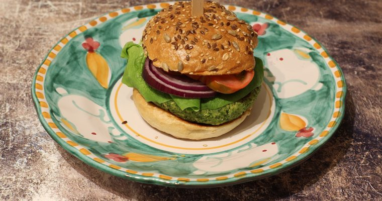 Veggie burger di broccoli e ceci